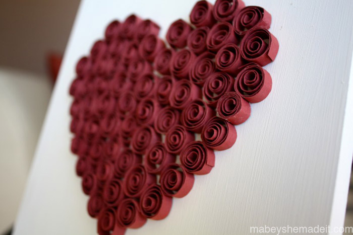 Quilled Heart Decor | Mabey She Made It #valentine #heart #quilling