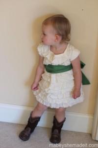 Muslin Ruffle Dress | Mabey She Made It #sewing #sewingforkids #dresses