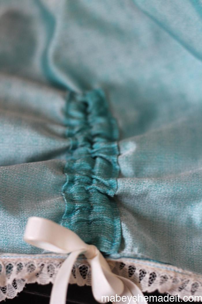 Ribbon Gathered Skirt | Mabey She Made It #sewing #sewingforkids #skirt #ribbon