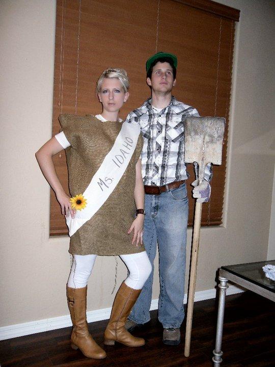 Idaho Farmer and Miss Idaho Halloween Costume | Mabey She made It | #halloween #  sc 1 st  Mabey She Made It & 7 Fabulous Halloween Costume Ideas | Mabey She Made It