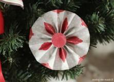 Medallion Christmas Wreath