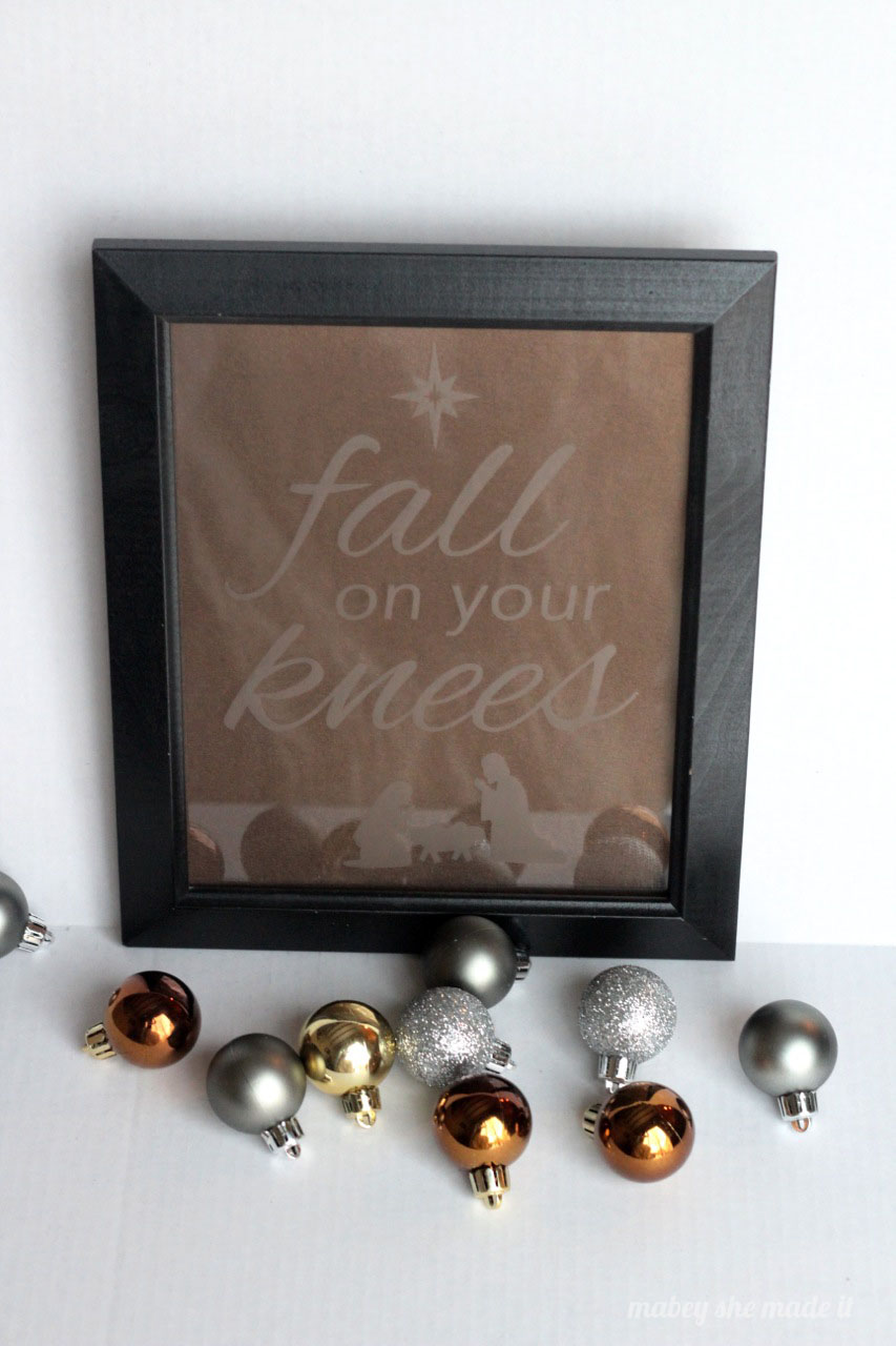 Fall On Your Knees Etched Glass | Mabey She Made It | #Christmas #christmasdecor #etchedglass