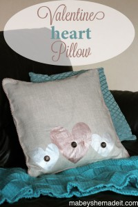 Valentine Heart Pillow   Mabey She Made It #valentine #hearts #pillow #homedecor
