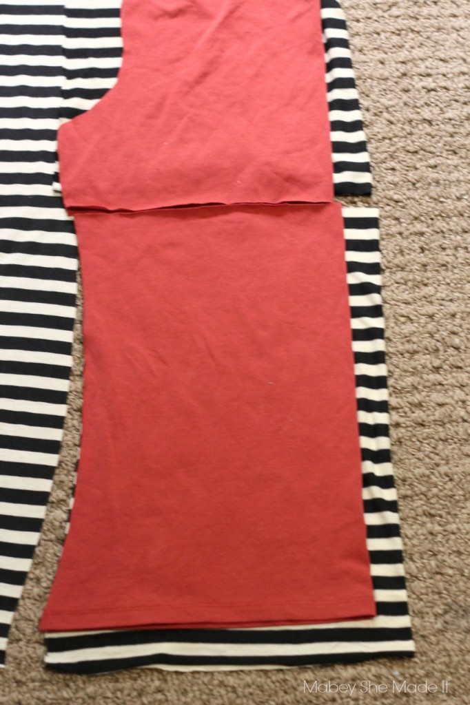 Gathered Back T-shirt Refashion | Mabey She Made It | #refashion #upcycle #womensfashion #fashion