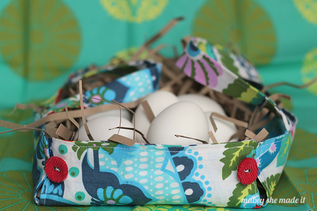 Make an Easter basket from a fat quarter and a few buttons. So fun and easy. You'll need to make one for your treats!